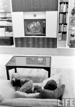 1961. Photo: Frank Scherschel